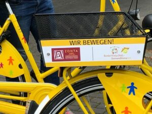 Zonta Club Lippstadt spendet farbenfroh lackierte Fahrräder