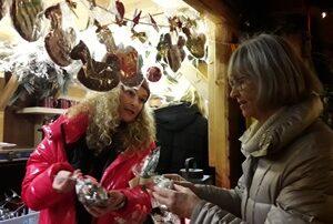 Plätzchen und Schaukelpferde aus Lebkuchenteig beim Zonta Club Lippstadt