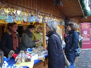 Bei Zonta auf dem Weihnachtsmarkt