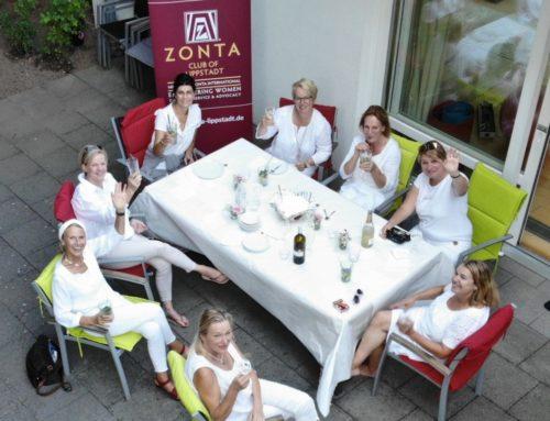 Zonta Club Lippstadt spendet beim Diner en Blanc